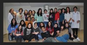 Estudiantes en laboratorio investigación BioAraba